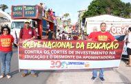 Sinproesemma vai às ruas e diz não aos cortes da educação e ao desmonte da aposentadoria